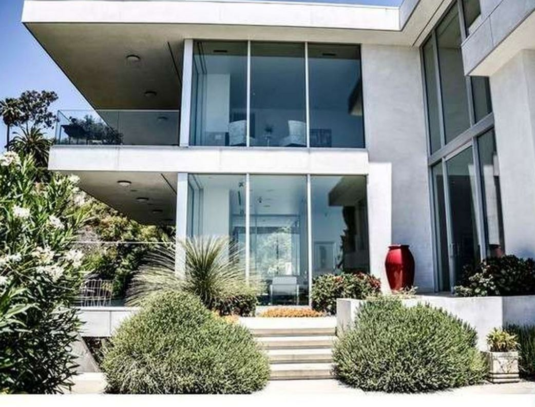 3 Bedroom Hollywood Modern with Pool
