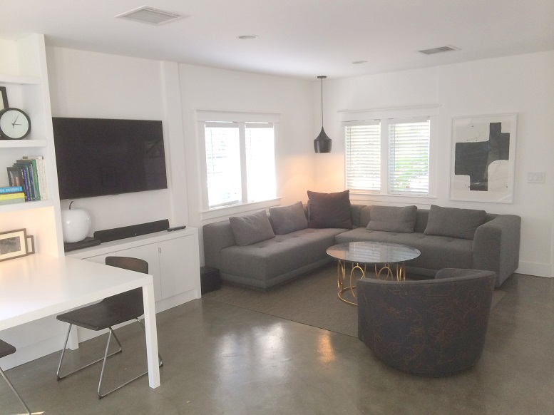 West Hollywood Adorable Modern 1-bedroom Cottage with Garden